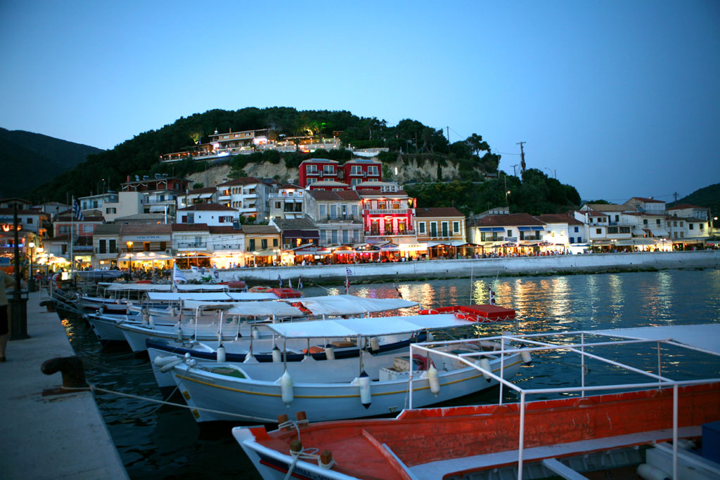 parga night
